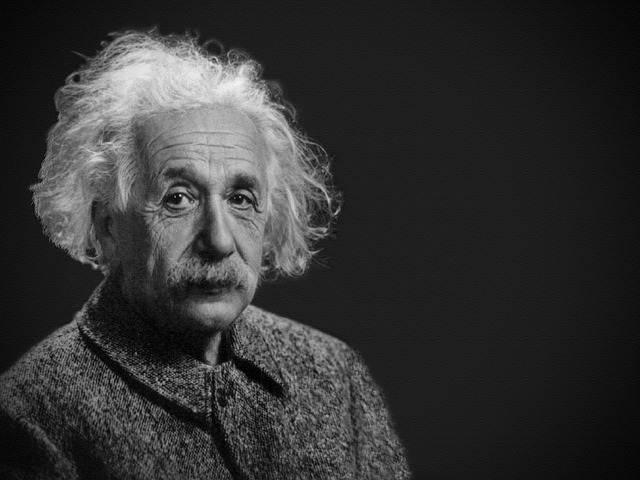 Albert Einstein Berkata : Jelaskan Secara Singkat, Padat, Dan Tepat
